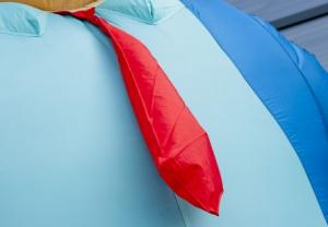 Afbeelding van een rode stropdas, onderdeel van Abraham met een wandelstok - Partydolls